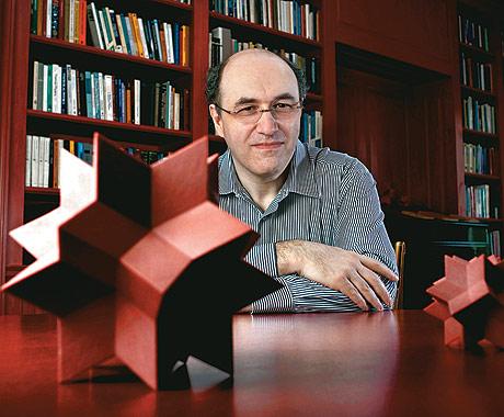 Stephen Wolfram (Fonte: Revista Época - Ed. nº 575)